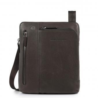 Piquadro Black Square Umhängetasche mit iPad®Air/Pro 9,7-Fach und doppelter RV-Vortasche braun