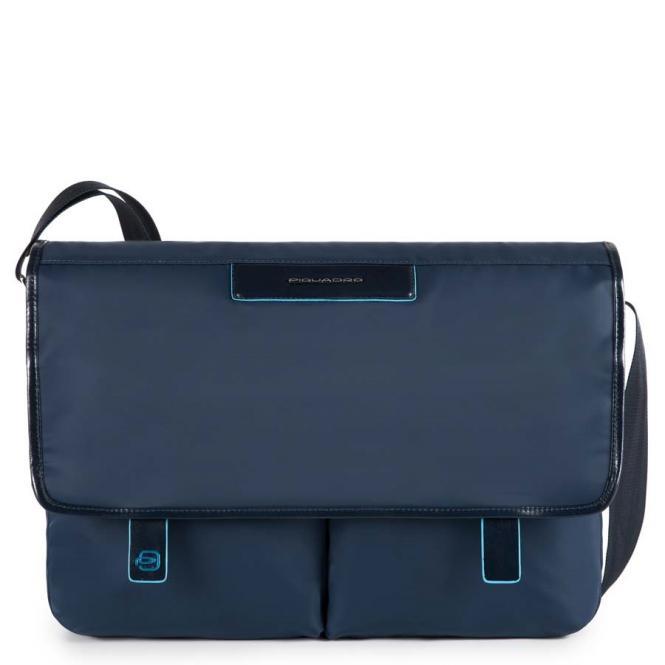 Messenger mit zwei Vortaschen und herausnehmbarerPC-, iPad®-Hülle mit Orga-Fächern blau