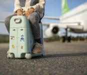 JetKids by Stokke BedBox Aufsitzkoffer und Flugzeugbett jetzt online kaufen