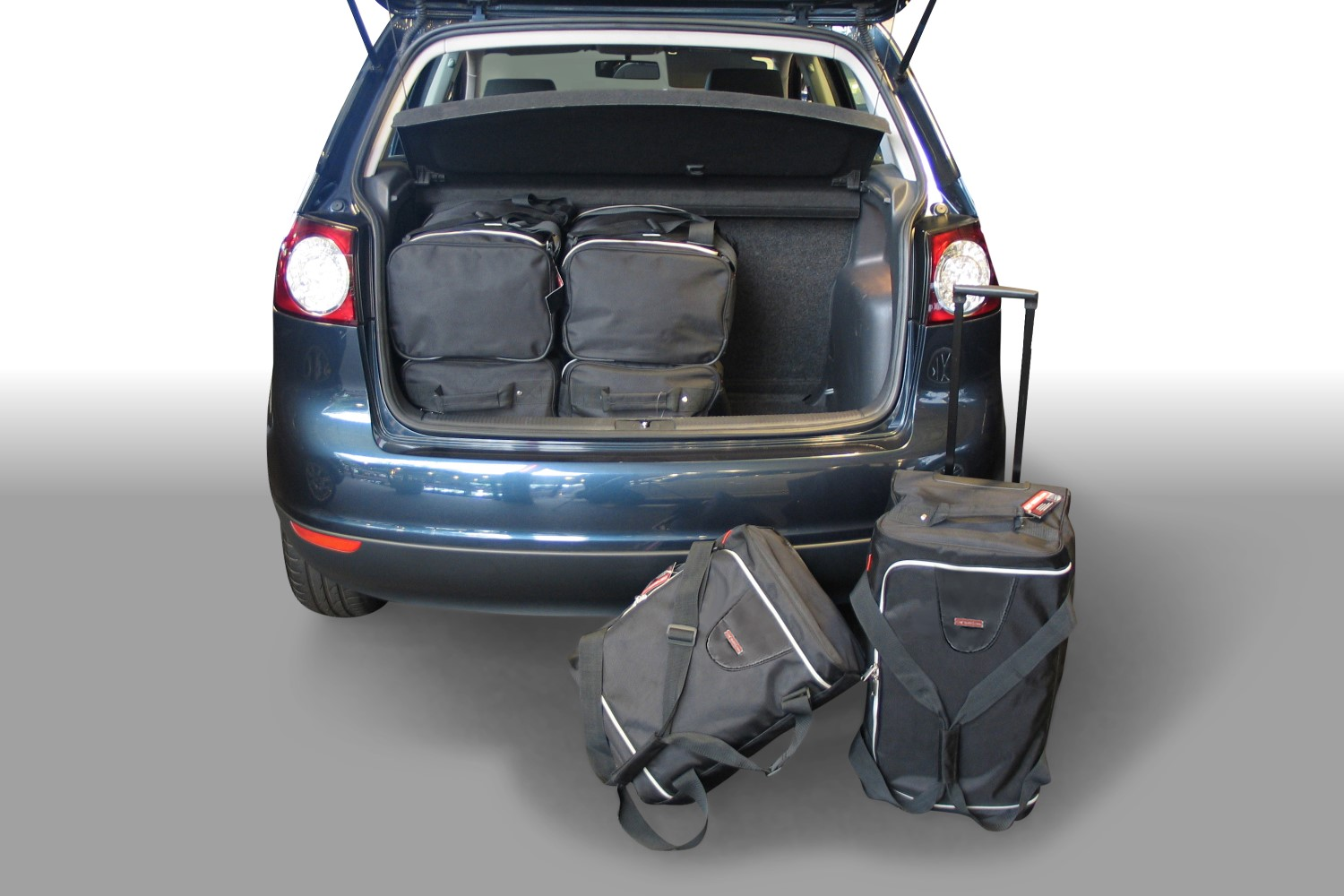 car bags volkswagen golf plus reisetaschen set 1kp 2004. Black Bedroom Furniture Sets. Home Design Ideas