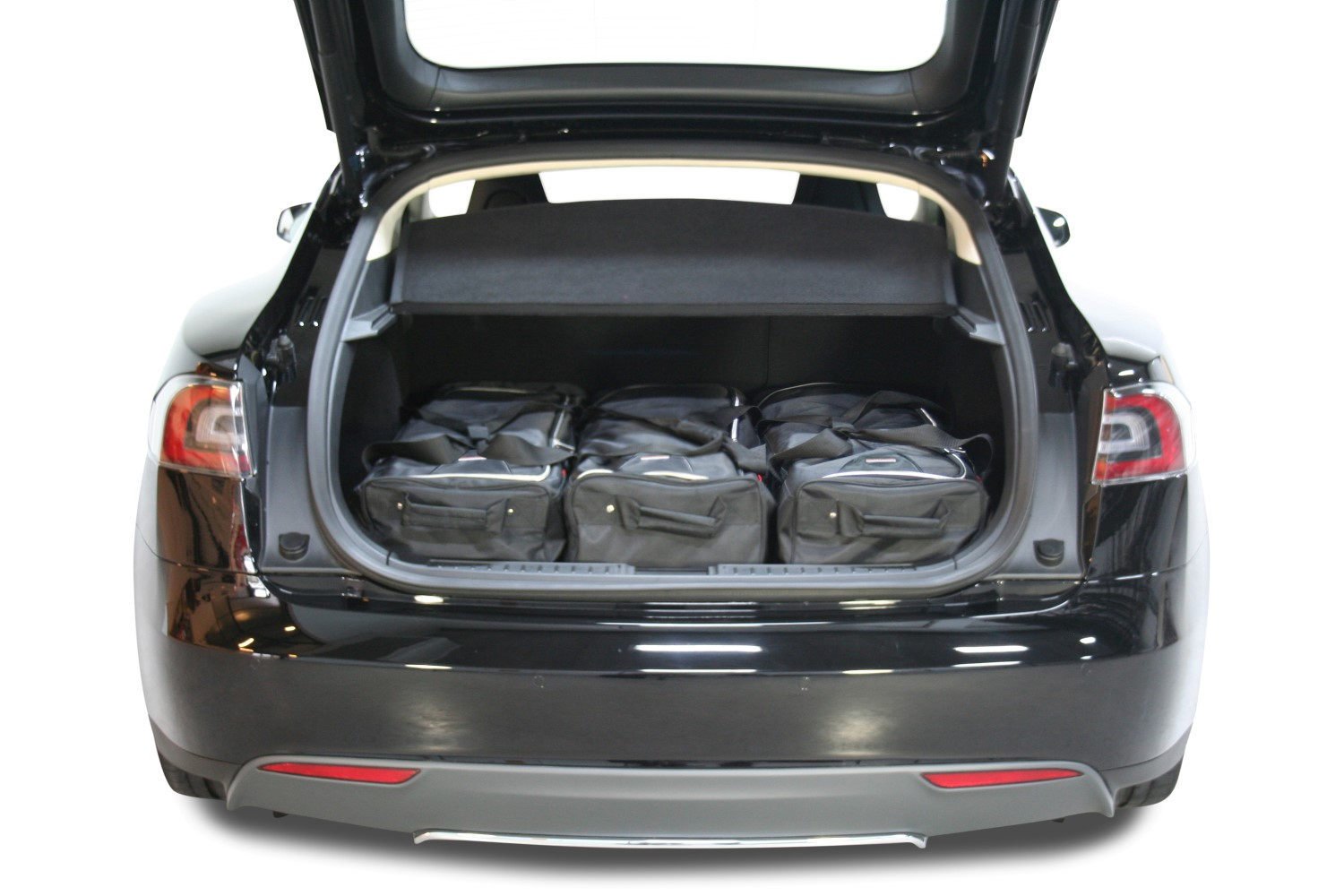 car bags tesla model s reisetaschen set ab 2012 3x82l. Black Bedroom Furniture Sets. Home Design Ideas